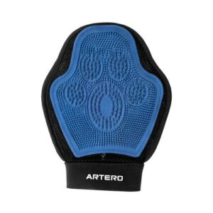De-Shedding Glove by Artero